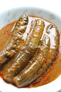 Azie Kitchen: Sumbangan Untuk Resepi Pajeri Terung Yang Sangat S. Halal Recipes, Asian Recipes, Cooking Recipes, Vegetable Dishes, Vegetable Recipes, Chicken Recipes, Malaysian Cuisine, Malaysian Food, Food N
