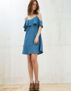 Vestido Tencel off shoulder volante - Off shoulders - Bershka España