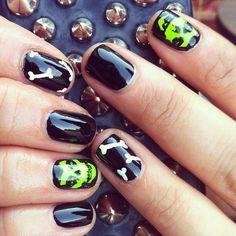 Skull/bones nail style . So to adore .