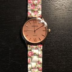 Floral rose gold watch Band and face in perfect condition, small slight scratches on the bezel. WINDSOR Accessories Watches