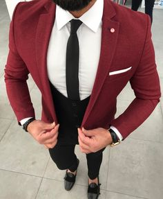 Mens Style Discover Love suits like this one? Design your perfect suit at Makers Club Best Suits For Men, Cool Suits, Mens Fashion Suits, Mens Suits, Casual Blazer, Men Casual, Men Formal, Well Dressed Men, Gentleman Style