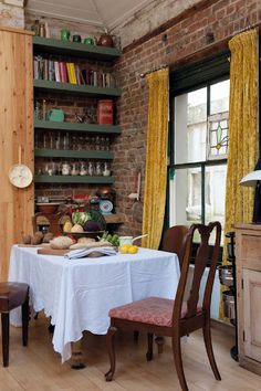 For those of you who love eclectic - check out this flat! Lorna and Bryan are both film editors and artists located in the UK; they turned a...