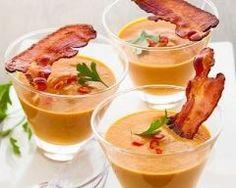 Soupe de courge et chips de jambon en verrine