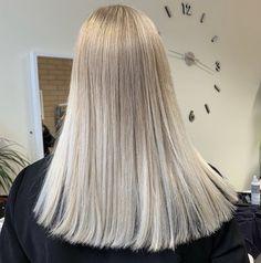 Long blonde sandy hair Sandy Hair, Blonde Hair, Tulle, Long Hair Styles, Beauty, Fashion, Moda, Yellow Hair, Fashion Styles