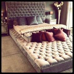 when I get married I want a bed like this , cause i will be like take yo ass down there if you mad :P