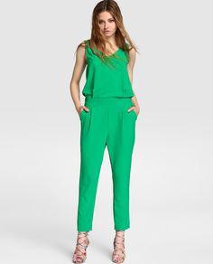 Mono de fiesta de mujer Formula Joven en verde con pinzas