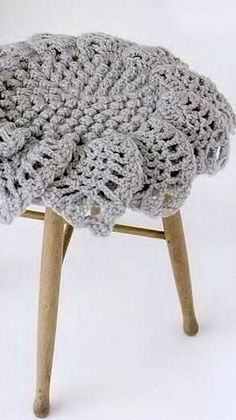 Crochet stool cover ♥LCM-MRS♥ with diagrams.