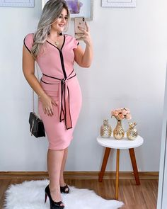 Boa noite meus amores!! Com essa lindeza de look @crissmodass • @crissmodass Shopping Vautier premium Rua Tiers n 184 térreo - loja 110 .… Curvy Girl Outfits, Modest Outfits, Dress Outfits, Cool Outfits, Women's Fashion Dresses, Plus Fashion, Womens Fashion, Church Fashion, Mode Jeans