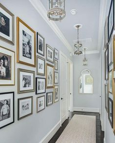 Wall Gallery Ideas 42 Beautiful Ways To Make Gallery Frame Wall For Family Photos Hallway Pictures, Family Pictures On Wall, Family Photo Walls, Picture Walls, Hang Pictures, Family Photo Frames, Old Family Photos, Hallway Wall Decor, Hallway Walls