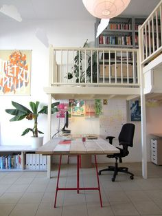 Eye-Opening Cool Tips: Wainscoting Stairs Diy wainscoting cafe wall colors.White Wainscoting Entry Hall wainscoting shelf board and batten. Wainscoting Kitchen, Wainscoting Bedroom, Wainscoting Height, Painted Wainscoting, Wainscoting Ideas, Workspace Inspiration, Home Office, Office Desks, Office Plan