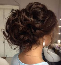 Suggestions regarding awesome looking hair. An individual's hair is without a doubt exactly what can easily define you as a person. To the majority of people it is undoubtedly vital to have a good hair style. Unique Wedding Hairstyles, Formal Hairstyles, Bride Hairstyles, Messy Hairstyles, Hairstyle Ideas, Bridesmade Hairstyles, Hairstyle Wedding, Hairstyle Tutorials, Homecoming Hairstyles