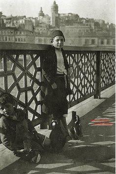 1917 Galata Bridge