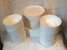 Heller Massimo Vignelli Italy Dinner Salad. plates Bowls melamine white 23 Piece