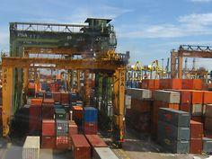 http://upload.wikimedia.org/wikipedia/commons/4/43/Port_of_Singapore_Keppel_Terminal.jpg