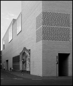St. Kolumba Chapel, 'Madonna in den Trümmern', Köln; Gottfried Böhm, Architect, 1949-1956 Kolumba Museum, Köln; Peter Zumthor, Architect, 2007r