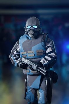 Half-Life 2 Combine Soldier Cosplay by Kienagu on DeviantArt Half Life Opposing Force, Half Life Game, Halo Game, Heavy And Light, Team Fortress, Futuristic, Portal, Video Games, Sci Fi
