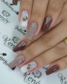 In order to provide some inspirations for nails red colors for your long nails in this winter, we have specially collected more than 80 images of red nails art designs. Fancy Nails, Love Nails, Pink Nails, Ongles Beiges, Long Nail Art, Wedding Nails Design, Stamping Nail Art, Manicure E Pedicure, Pretty Nail Art