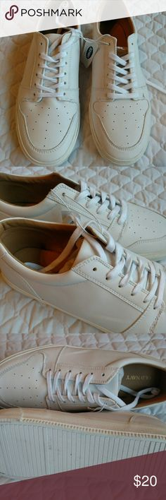 NWT White Old Navy men's shoes 13 NWT white shoes.  Basic design, but classic look! Banana Republic Shoes Sneakers