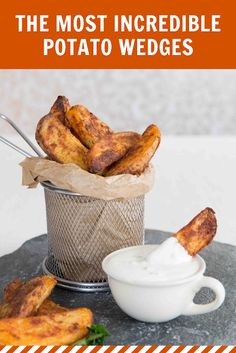 The most INCREDIBLE Oven Baked Potato Wedges. The most INCREDIBLE Oven Baked Potato Wedges Recipes Here I share with you a some game changing tips to getting Oven Baked Potato Wedges that are crispy a. Grilled Watermelon, Watermelon Salad, Baked Potato Wedges Oven, Oven Baked, Baked Potatoes, Cheesy Potatoes, Goose Fat Roast Potatoes, Pasta Cremosa, Wedges Recipe