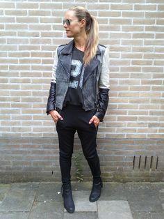 Who doesn't love leather!? #leather #bikerjacket #bikerjack #leatherjack #outfit #outfitinspiration #styleinspiration #style #fashion #fashioninspiration #streetstyle #women #womenswear #womensfashion