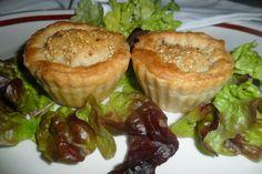 Pastelito relleno de pollo con semillas de sésamo. Ver la receta http://www.mis-recetas.org/recetas/show/40438-pastelito-relleno-de-pollo-con-semillas-de-sesamo