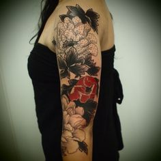 Tatouage Rouge Et Noir Fleur Rose Bras Complet Femme Dg5er4