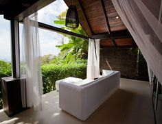 Honeymoon Hotspots: Mr & Mrs Smith Hotels Around the World