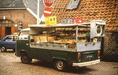 De groentewagen van Johan ten Velde was vroeger een begrip in Holten. Bron: Leven in Holten