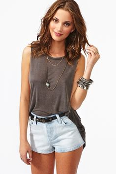 i love the high waisted jean shorts and the comfortable and laid back shirt..!