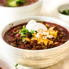 This is hands down the best chili recipe ever! Easy spicy beef chili is thick & robust. No skimpy spices at all. This chili is so rich in FLAVOR with just the right amount of kick! So good, you'll want to hide in the corner and eat it all by yourself! Good Meatloaf Recipe, Best Meatloaf, Meatloaf Recipes, Chili Recipes, Soup Recipes, Drink Recipes, Chowder Recipes, Steak Recipes, Sweets Recipes