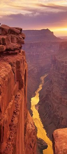 Pôr do sol no Grand Canyon, Arizona, Estados Unidos. #Viagem #EUA #Paisagem