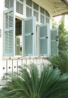 House of Turquoise: Southern Seaside Style. Honestly, House of Turquoise. You have so many happy things! Coastal Cottage, Coastal Homes, Coastal Living, Coastal Decor, Southern Living, Beach Homes, Coastal Paint, Coastal Rugs, Coastal Farmhouse