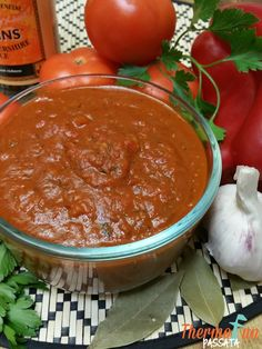 Thermomix Passata Recipe - use up a box of tomatoes. Easy to freeze. Use in spaghetti bolognese, nachos, pizza base, any recipe instead of tin tomatoes. Fresh Tomato Recipes, Radish Recipes, Cantaloupe Recipes, Cheddarwurst Recipe, Recipe Using, Chutney, Mulberry Recipes, Spagetti Recipe, Side Dishes