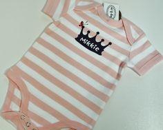 #kraamkado Romper met details uit #geboortekaartje erin verwerkt van www.bepenco.com