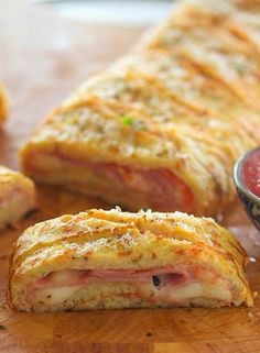 Cauliflower Crust Stromboli The whole stromboli yields 526 calories, 31 grams of fat, 21 grams of carbs and 41 grams of protein. This is amazing! Even Justin loved it, cauliflower crust and all. Bariatric Recipes, Low Carb Recipes, Real Food Recipes, Diet Recipes, Cooking Recipes, Healthy Recipes, Delicious Recipes, Bariatric Food, Pureed Recipes