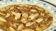 Ricetta Zuppa di pollo e lenticchie: In una casseruola fate soffriggere le verdure (sedano, carote e porro) tritate finemente con olio, aglio e rosmarino tritati. Aggiungete, quindi, le lenticchie precedentemente lavate ed il pettp di pollo; lasciate insaporire il tutto per un...