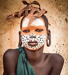 African Tribes, African Art, Black Girl Art, Art Girl, Surealism Art, Tribal Face, Painted Faces, Tribal People, People Of The World