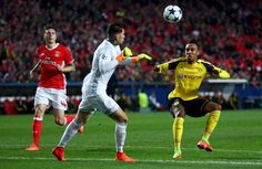 Benfica Lisbon hosted Borussia Dortmund in the first leg of their UEFA Champions League Round of 16 clash on Tuesday night. Clash On, Football Predictions, Soccer League, Uefa Champions League, Lisbon, Eagles, Victorious, Beats, Running