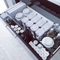 さらば散らばるポリ袋!セリア「キッチン消耗品収納ケース」で整頓上手♪ - macaroni Room Tour, Home Organization, Organizing, Kitchen Storage, Home Deco, Cool Kitchens, Modern Interior, Stove, Kitchen Appliances