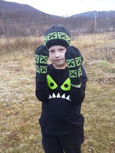 Cloudberry: FO :: Minecraft mittens & hat