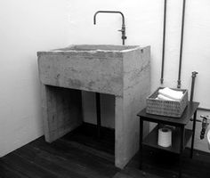 Industrial washroom, concrete. Hospitality design - Bar/ Restaurant