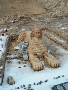 a picture of egypt's sphinx covered in snow went viral this weekend
