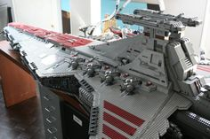 on-du-vaisseau-spatial-venator-class-star-destroyer-en-lego-02