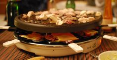 Top 10 Swiss foods – with recipes: Raclette Crepes, Fondue, Swiss Recipes, Types Of Bread, Star Food, Smoked Bacon, Cheese Platters, Grilled Vegetables, Melted Cheese