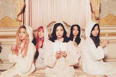 """Red Velvet sorprende con una nueva versión del tema """"Rose Scent Breeze"""" de Lee Soo Man"""
