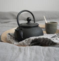 cast iron tea pot