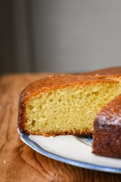 This Classic French Orange Yogurt Cake is a must to have in your baking repertoire. It has a soft, plush crumb with a golden exterior. A timeless cake. 3 Ingredient Fruit Cake Recipe, Orange Sponge Cake, Orange Cakes, French Yogurt Cake, French Apple Pies, Genoise Cake, Orange Yogurt, Citrus Cake, Basic Cake