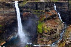 Waterfalls Háifoss and Granni, Iceland   por fredschalk