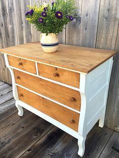 Lovely vintage dresser in natural wood and white - love love love this look! - Lovely vintage dresser in natural wood and white – love love love this look! Lovely vintage dresser in natural wood and white – love love love this look! Diy Furniture Dresser, Refurbished Furniture, Repurposed Furniture, Furniture Projects, Furniture Makeover, Painted Furniture, Furniture Design, Diy Dressers, Diy Furniture Renovation