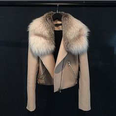 Travel Fashion Girl Winter Jackets 48 Ideas For 2019 Fur Fashion, Fashion Killa, Fashion Outfits, Womens Fashion, Travel Fashion, Fashion Check, Jackets Fashion, Fashion Weeks, Leather Fashion